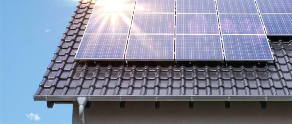 Kết quả hình ảnh cho lắp điện mặt trời trên mái nhà