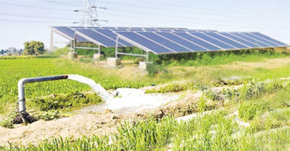 Bơm nước bằng năng lượng mặt trời